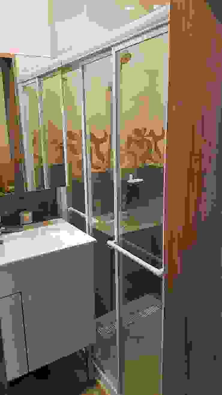 改造後的衛浴空間: 極簡主義  by 懷謙建設有限公司, 簡約風