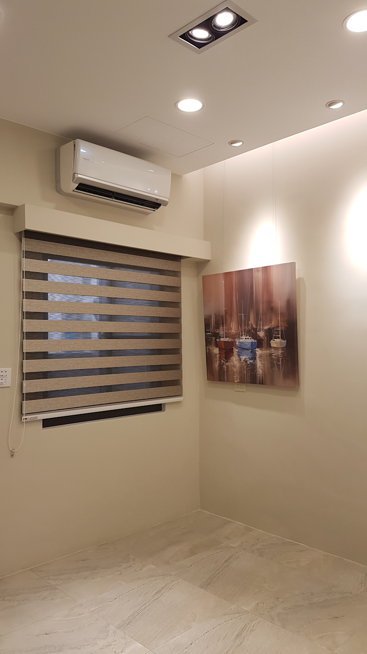 改造後的客廳區: 極簡主義  by 懷謙建設有限公司, 簡約風
