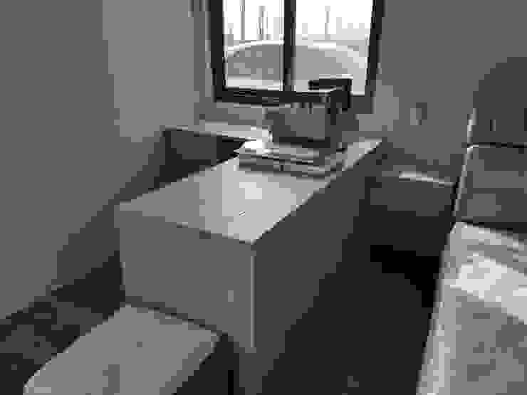 主臥系統書桌 根據 懷謙建設有限公司 北歐風