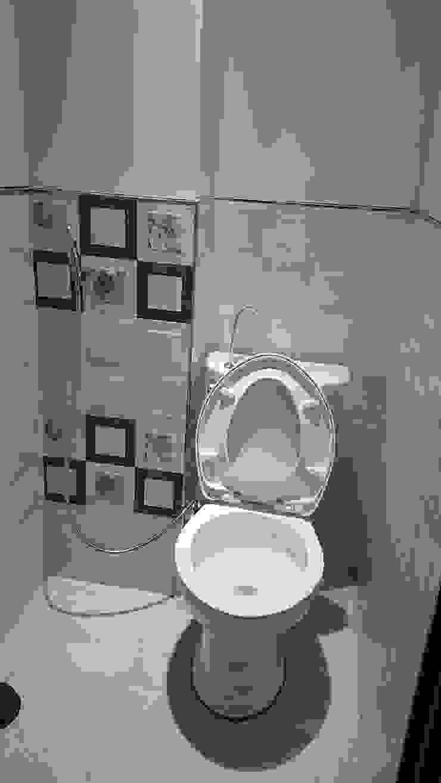 Modern bathroom by 懷謙建設有限公司 Modern