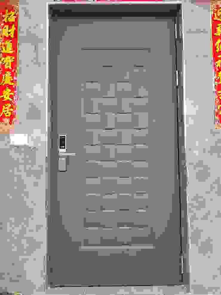 大門和電子鎖 根據 懷謙建設有限公司 現代風
