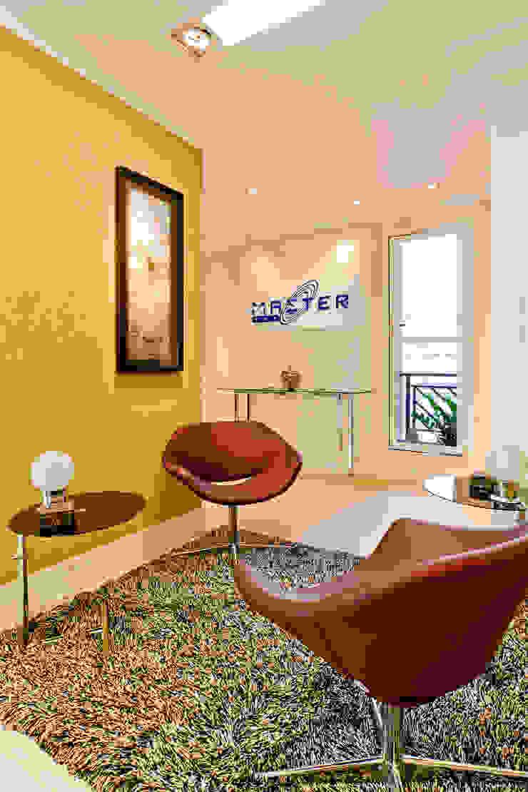 Enzo Sobocinski Arquitetura & Interiores Commercial Spaces Wood-Plastic Composite Amber/Gold