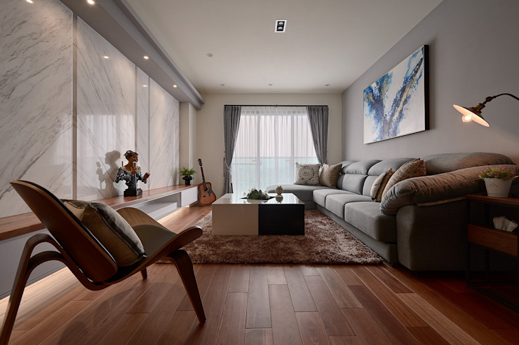 旅行的意義... ? 现代客厅設計點子、靈感 & 圖片 根據 趙玲室內設計 現代風