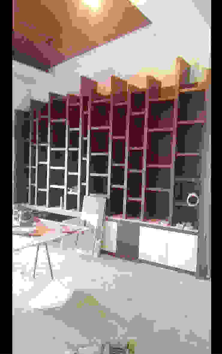 書房 書櫃 展示櫃 設計 施工 照片: 亞洲  by 艾莉森 空間設計, 日式風、東方風 實木 Multicolored