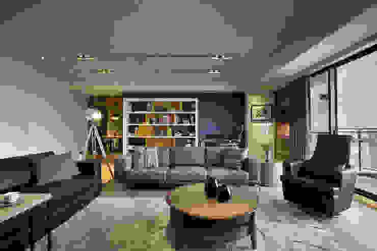 惠宇天青7b 现代客厅設計點子、靈感 & 圖片 根據 台中室內設計-築采設計 現代風