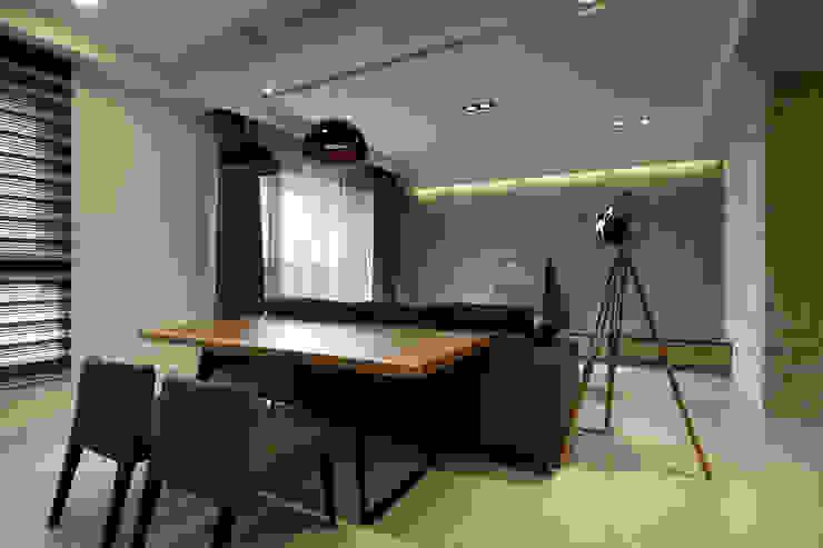 惠宇青寬: 現代  by 台中室內設計-築采設計 , 現代風