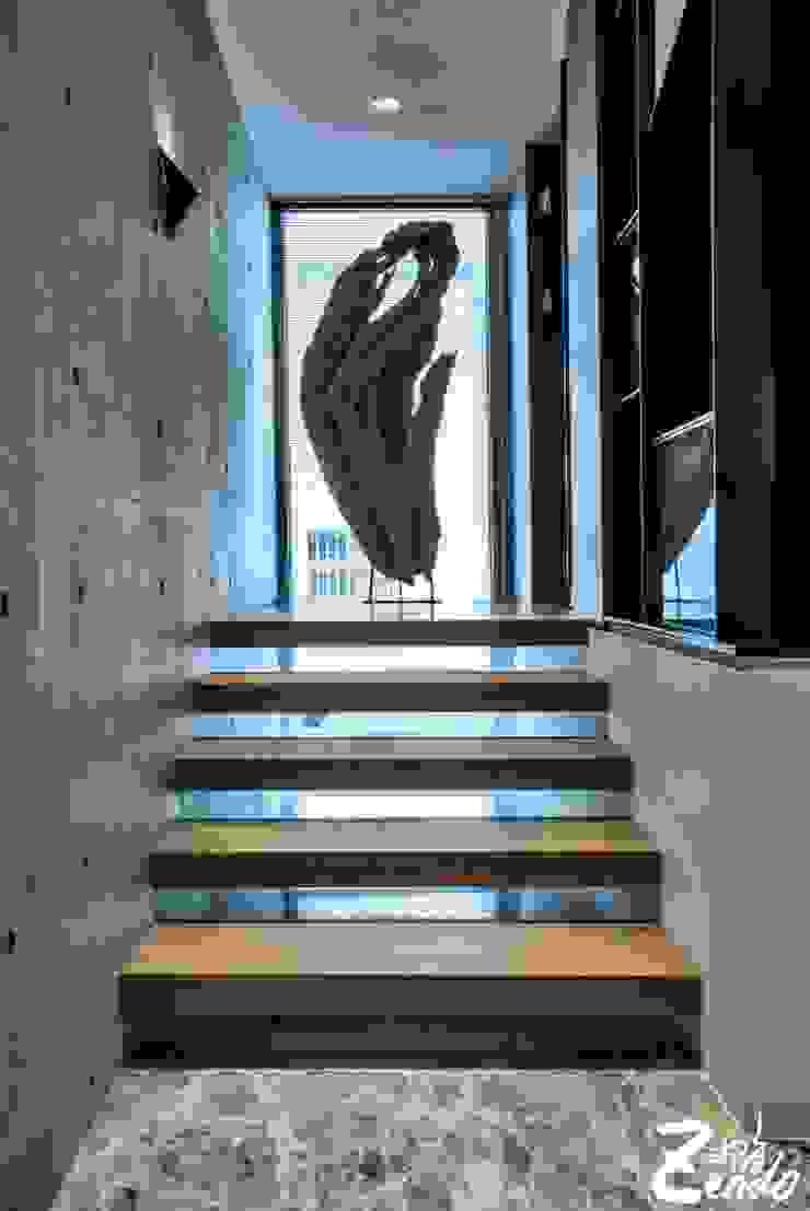 轉角的祕境 經典風格的走廊,走廊和樓梯 根據 Zendo 深度空間設計 古典風