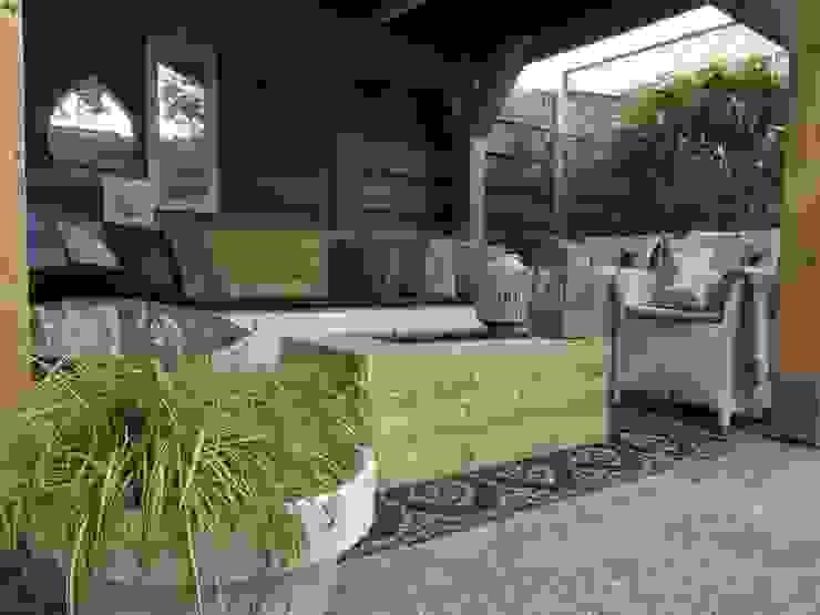 Designer Maakt Van Afval Een Hippe Tuin Whitehouse decorations Moderne tuinen