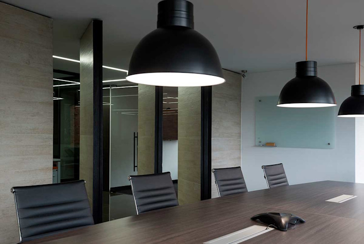 NOAH Proyectos SAS Office spaces & stores Natural Fibre Black