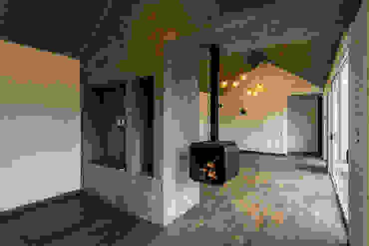 Vivienda La Caja Sin Título Arquitectura Livings de estilo moderno