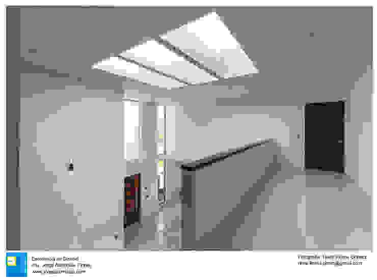 Casa Zotero Pasillos, vestíbulos y escaleras minimalistas de Excelencia en Diseño Minimalista
