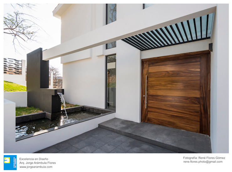 Excelencia en Diseño Front doors Wood Brown