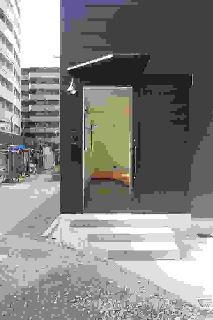 Maisons minimalistes par 一級建築士事務所 Coo Planning Minimaliste Métal