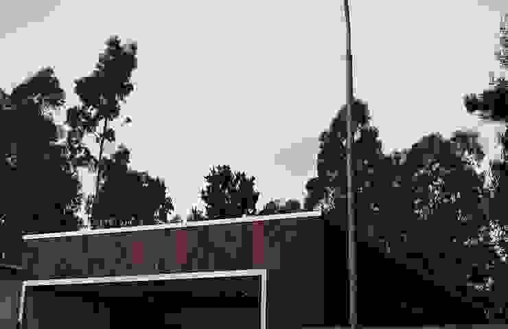 Fachadas de corner Moderno Madera maciza Multicolor