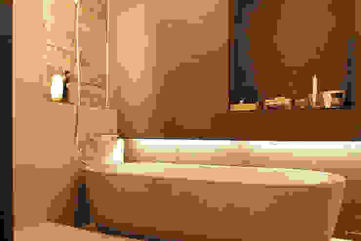 Salle de bain moderne par 그리다집 Moderne