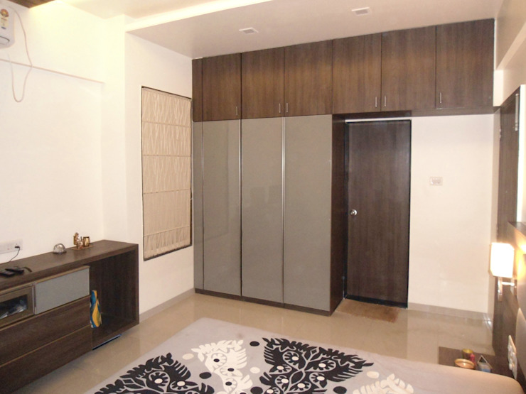 Vangikar Residence Interiors Modern dressing room by Vangikar Architects Modern