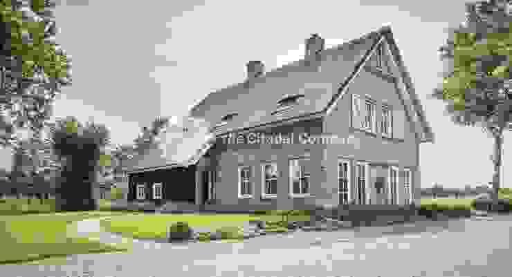 من Architectenbureau The Citadel Company بلدي