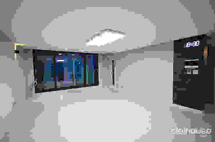 밝고 환하게 바뀐 40평대 아파트 인테리어 모던스타일 거실 by 씨엘하우스 모던