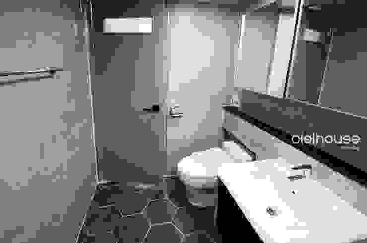 밝고 환하게 바뀐 40평대 아파트 인테리어 모던스타일 욕실 by 씨엘하우스 모던