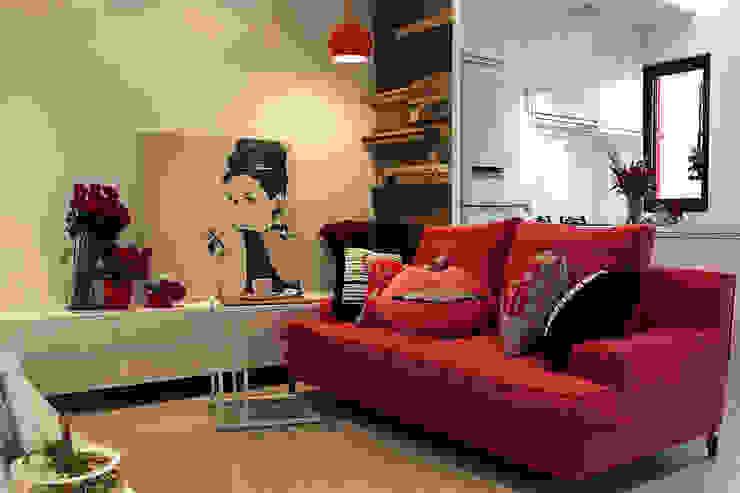 透。劇 分享小品 现代客厅設計點子、靈感 & 圖片 根據 文儀室內裝修設計有限公司 現代風