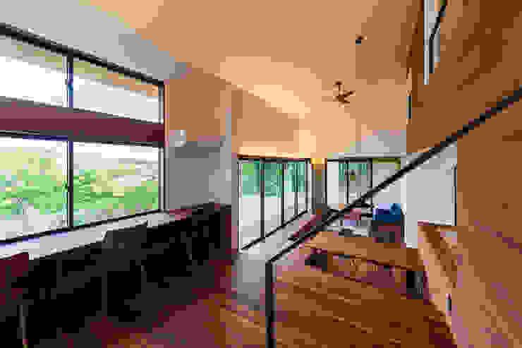 一級建築士事務所haus Salones de estilo moderno Madera Blanco