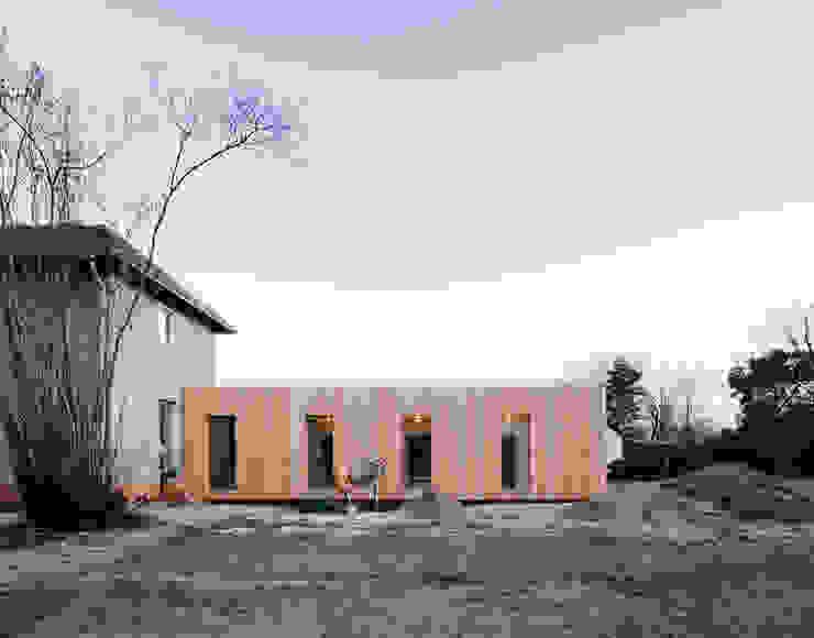 2 by JAN RÖSLER ARCHITEKTEN Minimalist Wood Wood effect