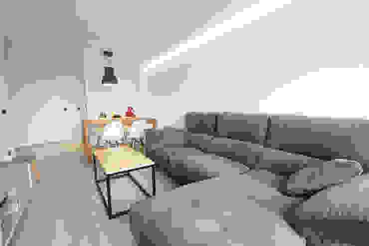 Reforma de piso Salones de estilo escandinavo de Bocetto Interiorismo y Construcción Escandinavo