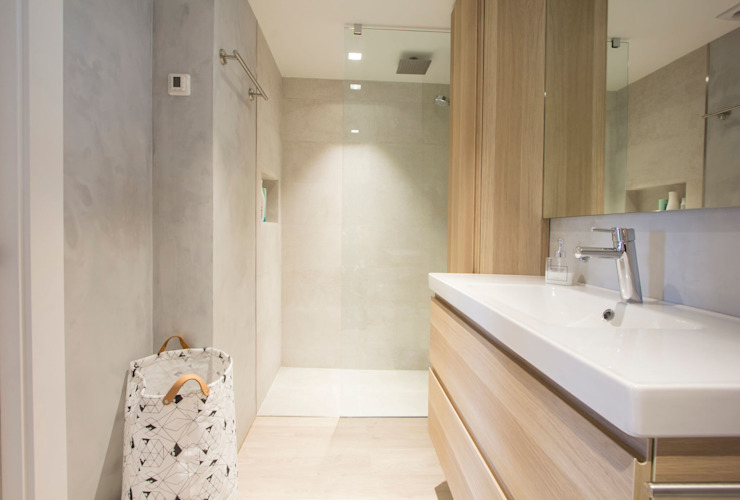 Reforma de piso Baños de estilo escandinavo de Bocetto Interiorismo y Construcción Escandinavo