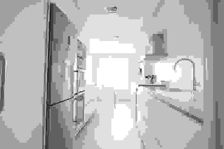 Reforma de piso Cocinas de estilo escandinavo de Bocetto Interiorismo y Construcción Escandinavo