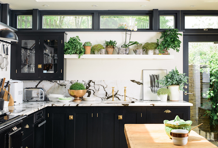 The Chipping Norton Kitchen by deVOL by deVOL Kitchens Eclectic Solid Wood Multicolored