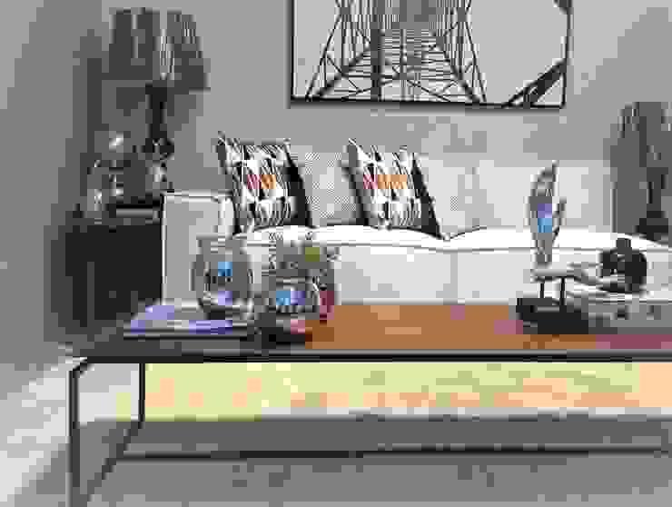 Decore sua casa com ousadia por Sgabello Interiores Moderno Cerâmica