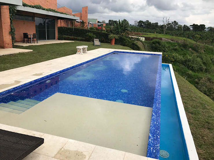 Premier Pools S.A.S. Infinity pool