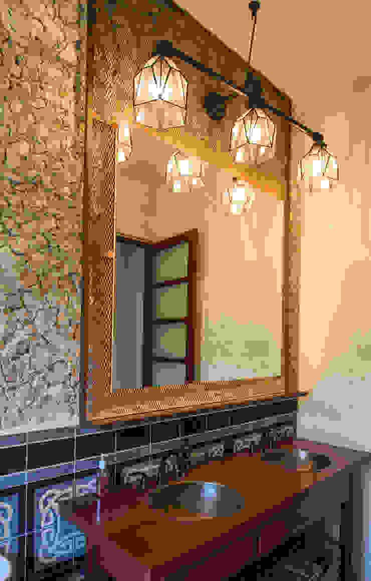 Baños de estilo colonial de Taller Estilo Arquitectura Colonial