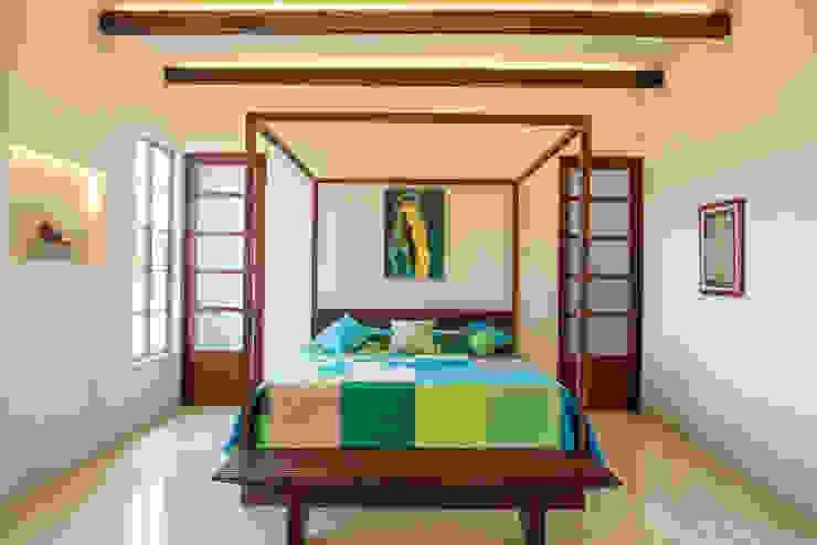 Habitaciones de estilo colonial de Taller Estilo Arquitectura Colonial