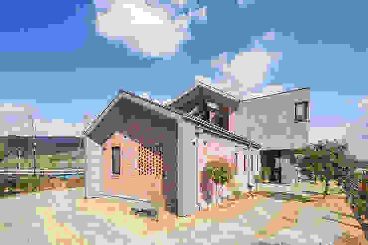 Casas modernas de 바이제로 Moderno