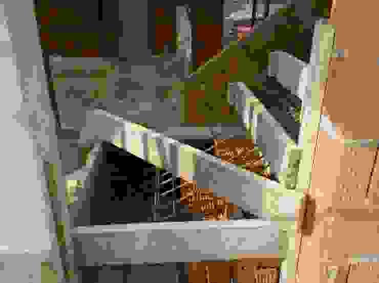 Architetti Baggio Modern Corridor, Hallway and Staircase