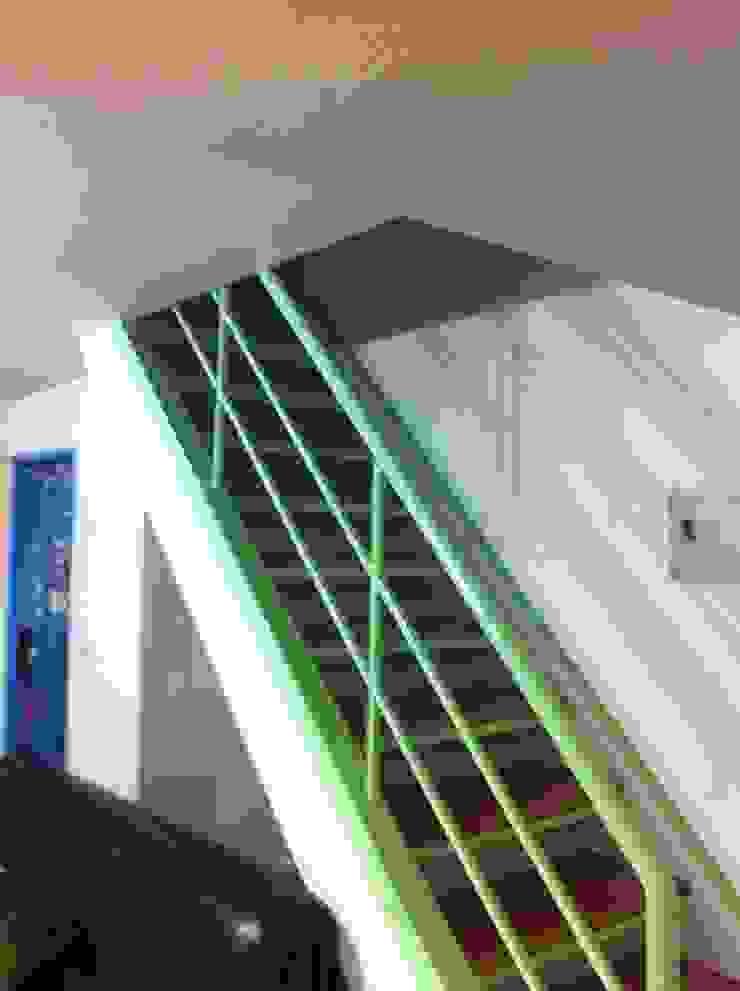 原本的樓梯: 斯堪的納維亞  by 懷謙建設有限公司, 北歐風