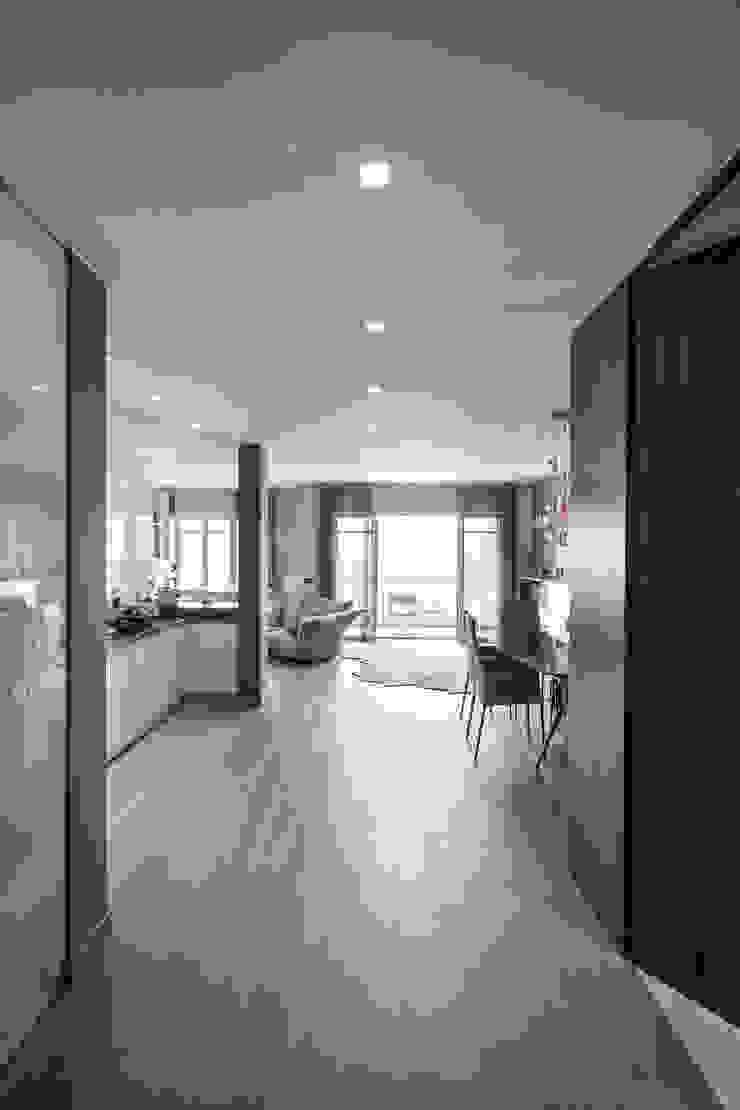 Ingresso Taty House Soggiorno moderno di studiodonizelli Moderno Legno Effetto legno