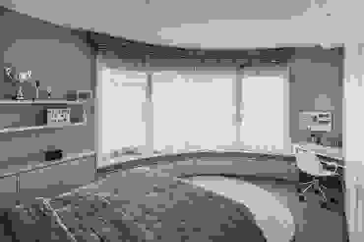 Camera tonda Tatty House Camera da letto moderna di studiodonizelli Moderno