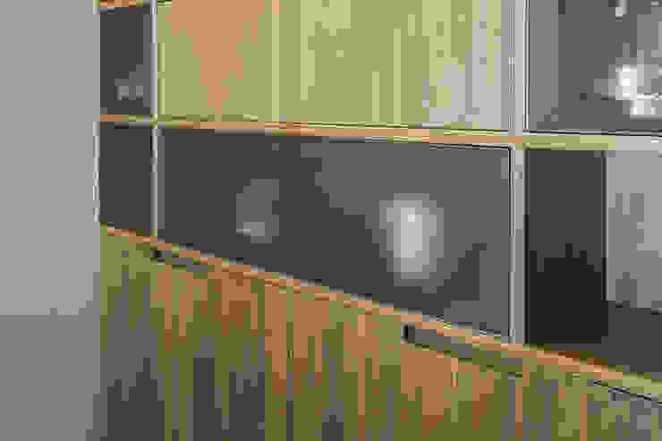 Taty House di studiodonizelli Moderno Legno Effetto legno