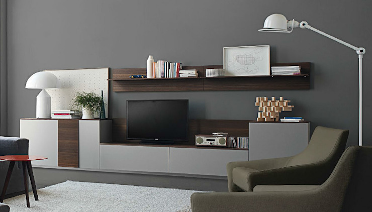 Audio meubel: modern  door Kroneman Interieurs, Modern Hout Hout