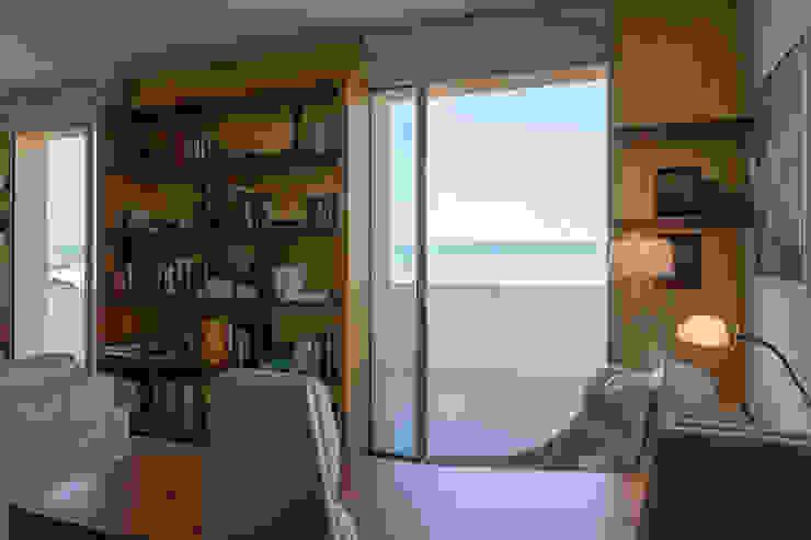 Projeto Arquitetura - Moradia na Granja MJARC MJARC - Arquitetos Associados, lda Janelas e portas modernas