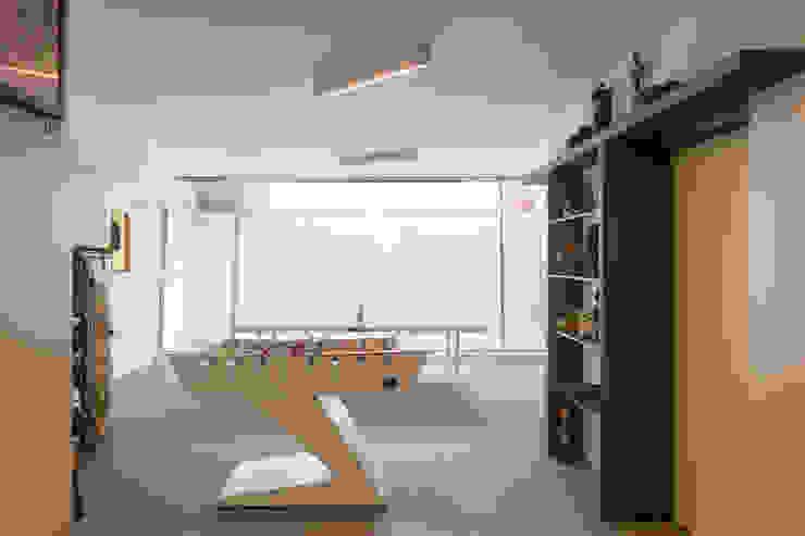 Projeto Arquitetura - Moradia na Granja MJARC MJARC - Arquitetos Associados, lda Garagens e arrecadações modernas