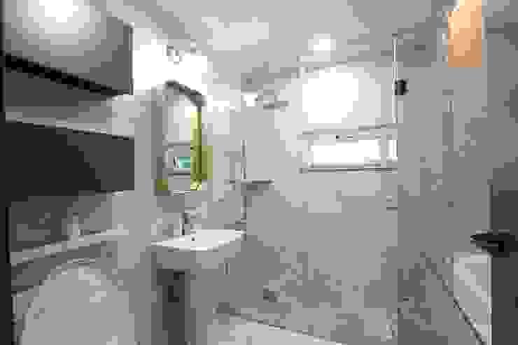 욕실 by (주)디엘건축 컨트리
