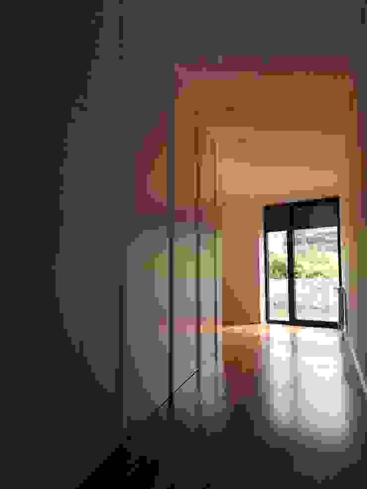 KUUK Minimalist bedroom White