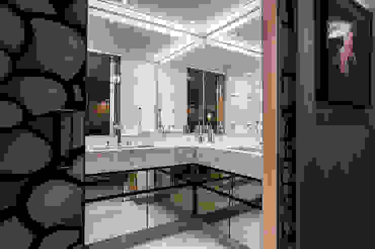 Baños de estilo moderno de Moblieren - RAUL AZEVEDO E ALVARO FRANÇA Moderno