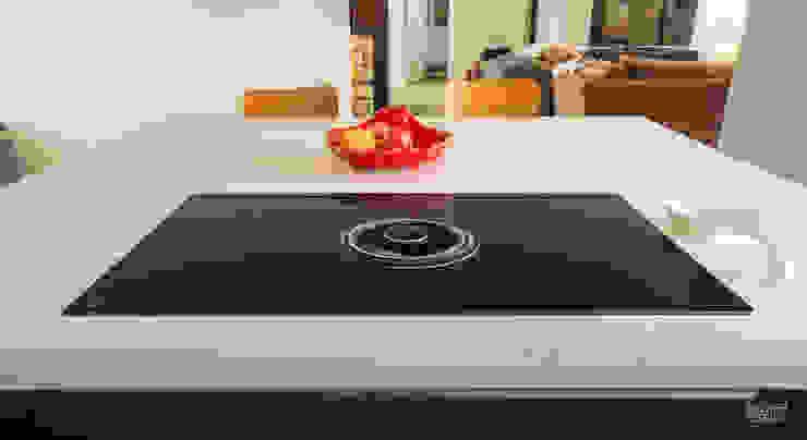 modern  by Moderestilo - Cozinhas e equipamentos Lda, Modern Glass