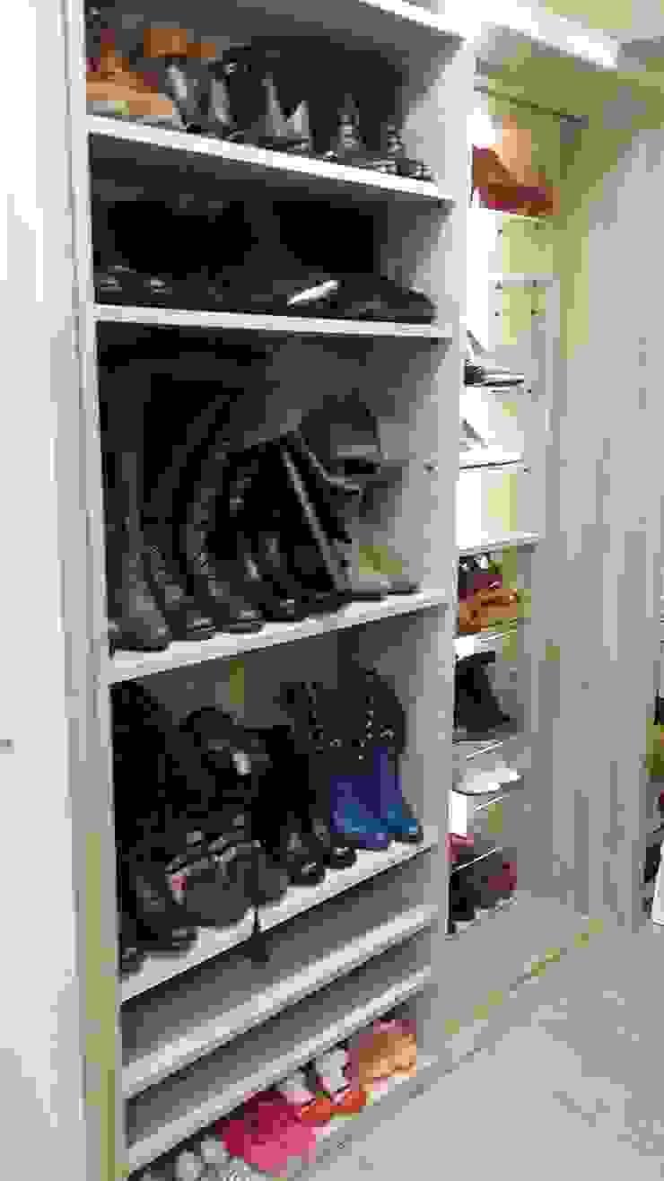 雙層滑動鞋櫃: 斯堪的納維亞  by 懷謙建設有限公司, 北歐風