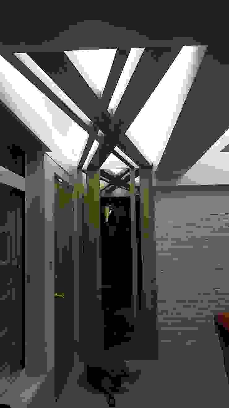 玄關處造型 斯堪的納維亞風格的走廊,走廊和樓梯 根據 懷謙建設有限公司 北歐風