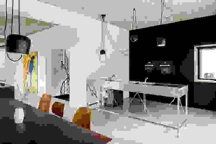 Industrial style kitchen by SEHW Architektur GmbH Industrial